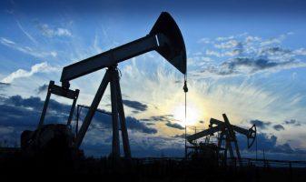 Фиксация прибыли вызвала снижение цены на нефть